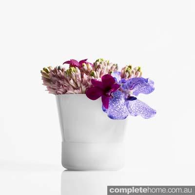white chic flowerpot