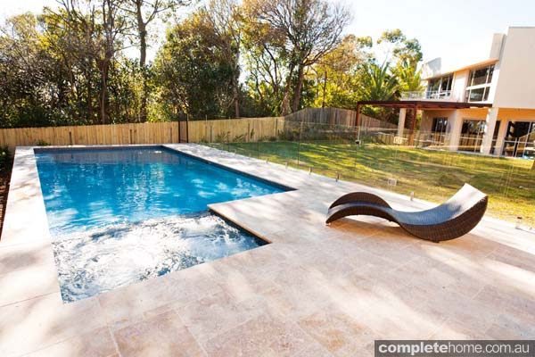 Seamless pool and spa design