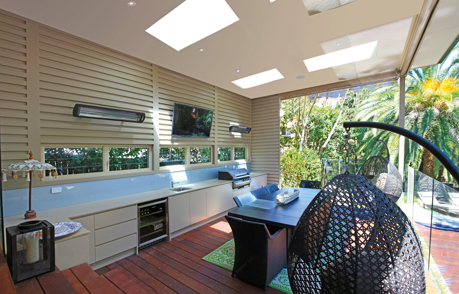 Outdoor Kitchen and balcony deck space