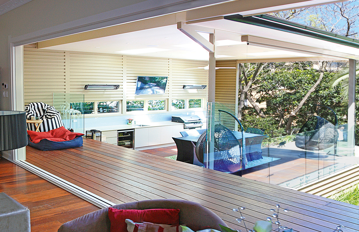 outdoor room and verandah space