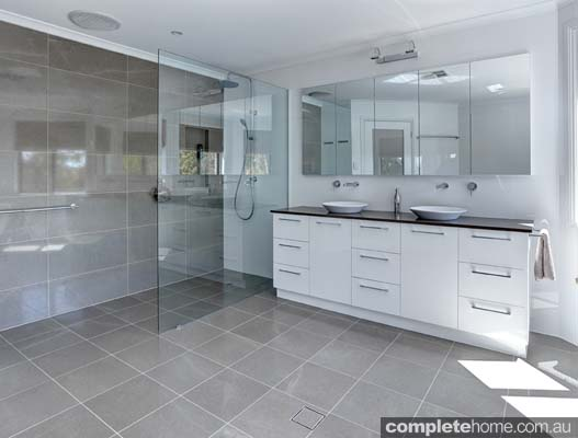 Luxury ensuite bathroom design complete home for Bathroom designs australia