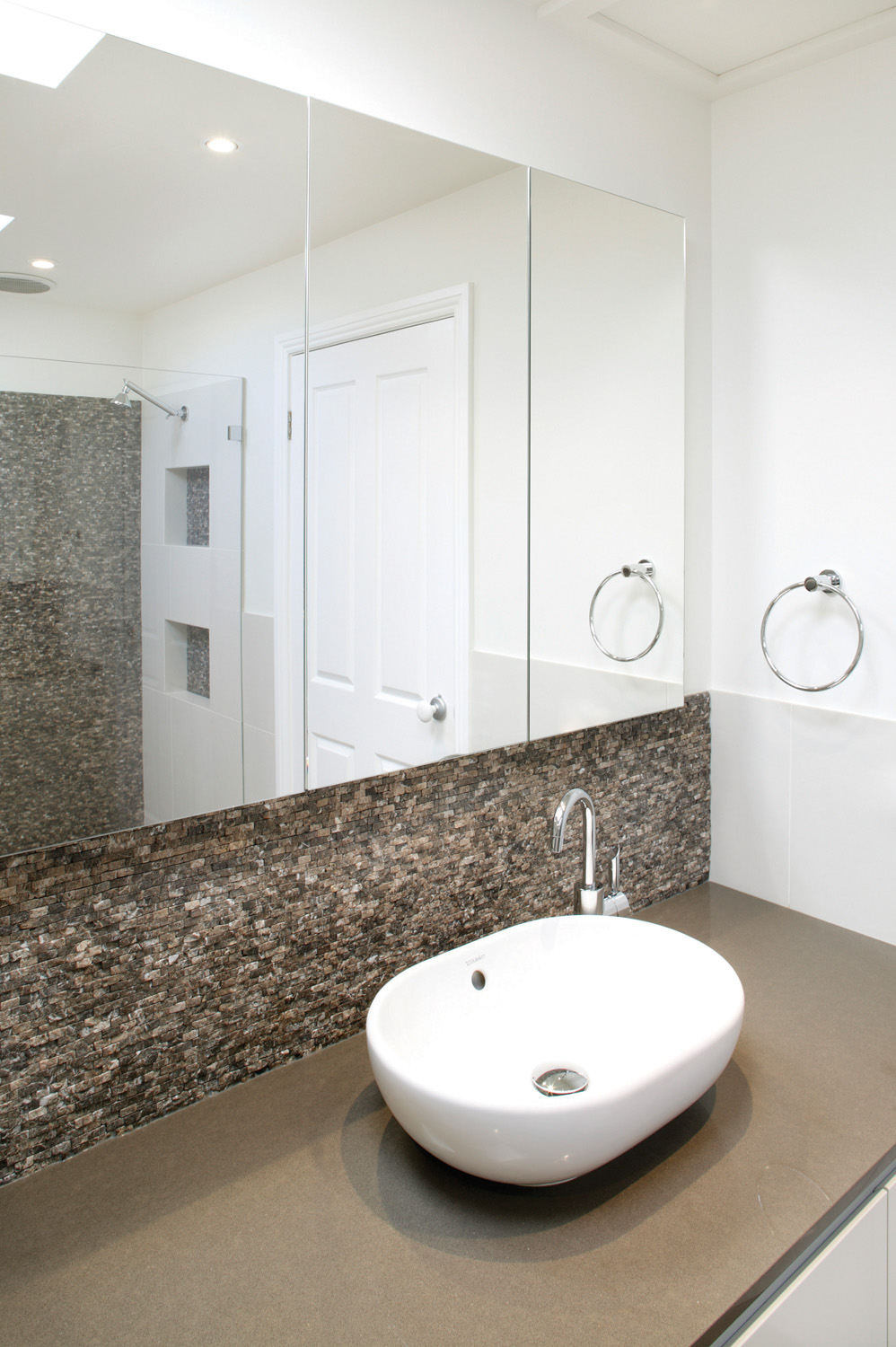 New york bathroom design chic and simple completehome for New york bathroom design