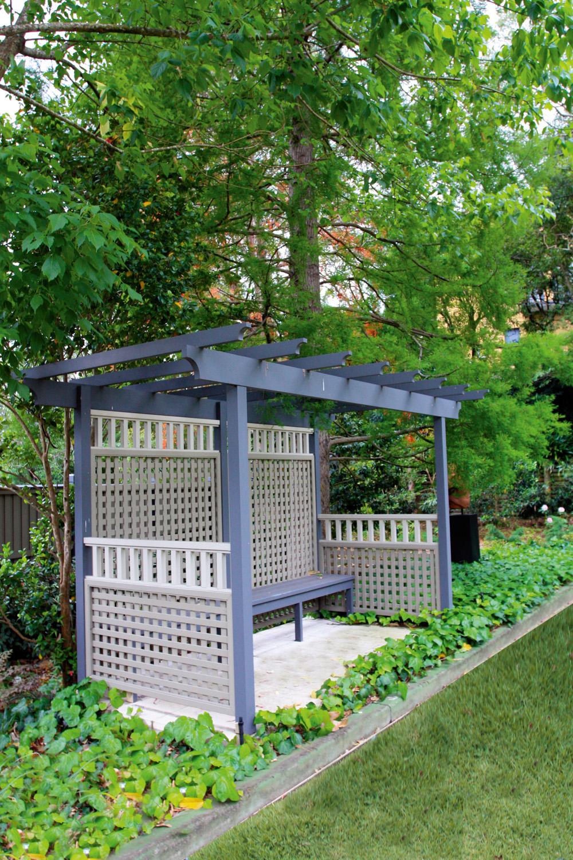 Timeless & elegant backyard design