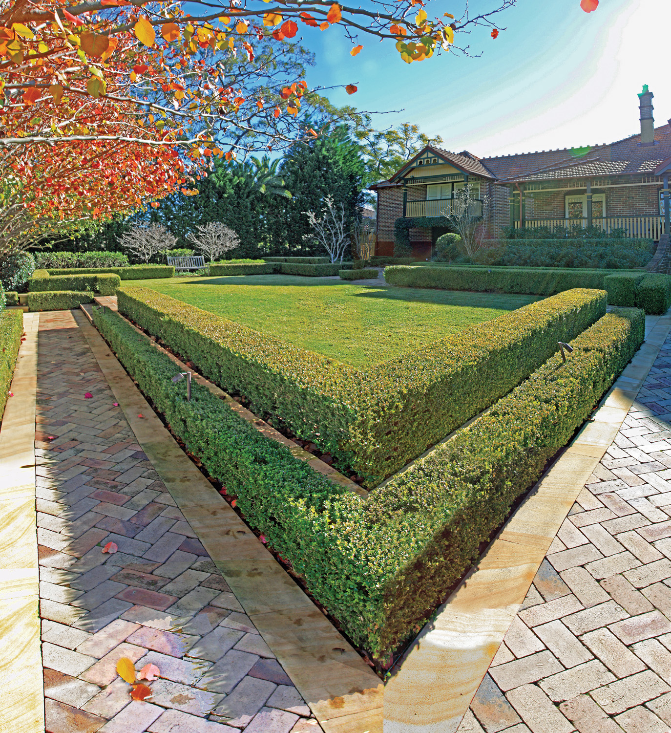 A Total Concept hedge and garden