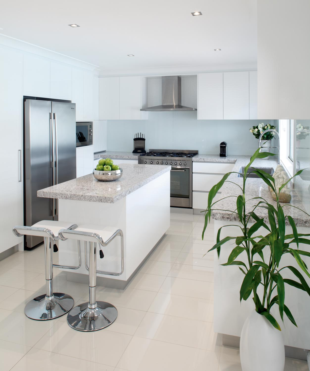 A sophisticated and timeless kitchen facelift