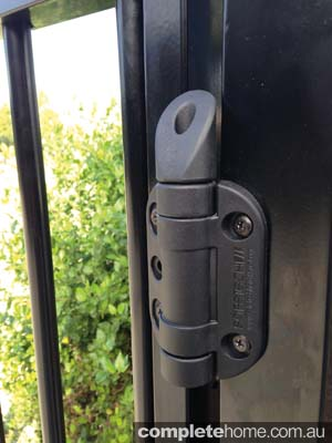 pool gate hinge fencing
