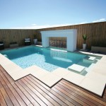 Guiding the eye: a pool with clean lines and clever features