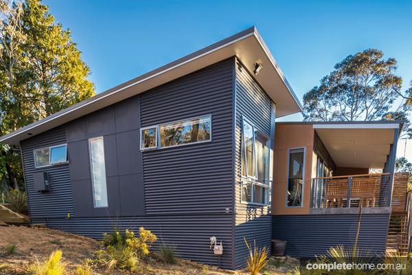 blue mountains home exterior