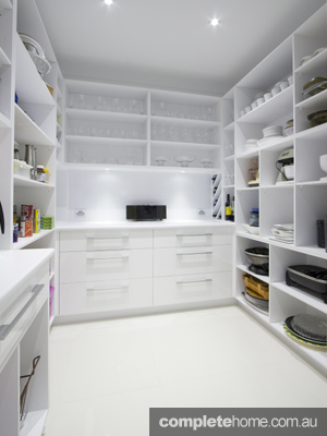 gloss white kitchen from garsden and clarke