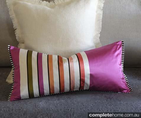 6 Astrakan magenta 0783_Cushions