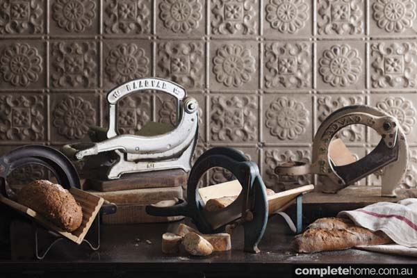antique_bread_cutters