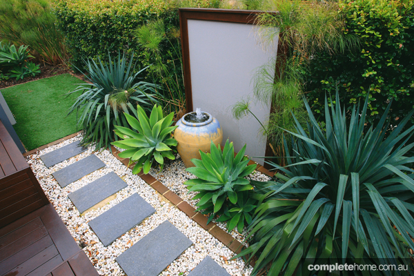Display Home Garden Designs Of Modern Outdoor Entertaining Space Completehome