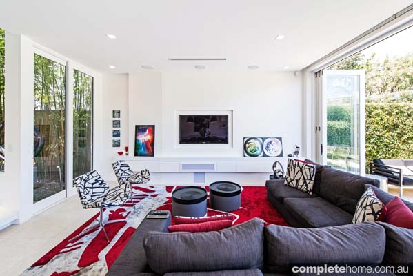 bitfold_doors chic entertaining space
