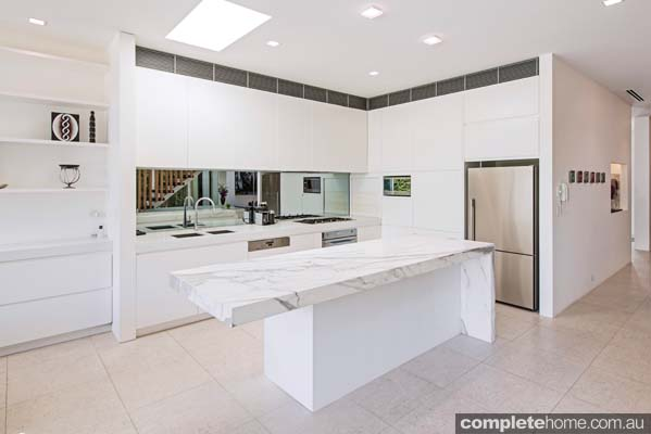 contemporary_design_marble_kitchen