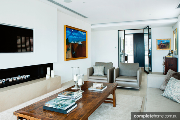 contemporary style lounge