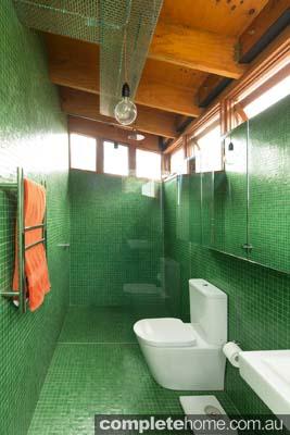 striking_en-suite_bathroom