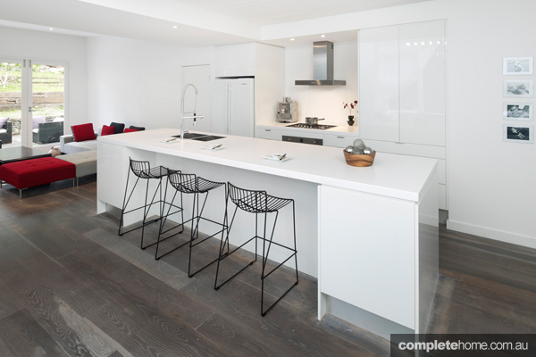 How can you create a stylish and expensive looking kitchen without spending an arm and a leg? Enlisting the help of a kitchen expert is your first step!