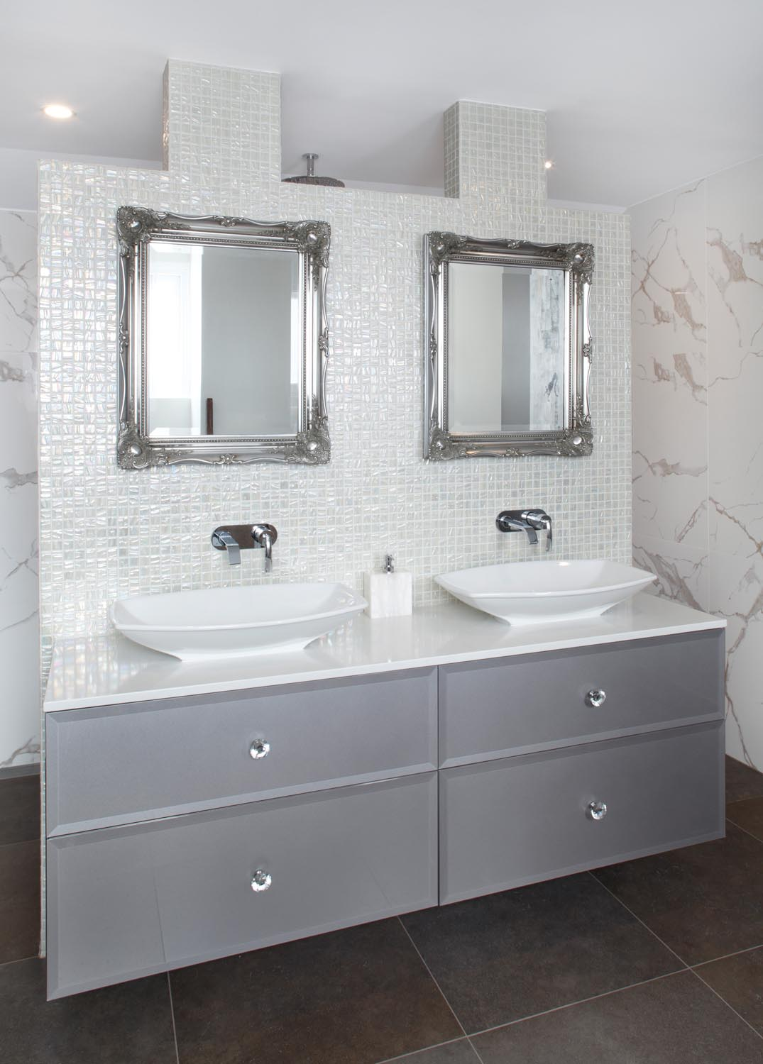 Glitz And Glamour In A Bathroom Design Completehome
