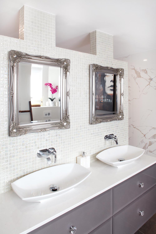 Glitz and glamour in a bathroom design