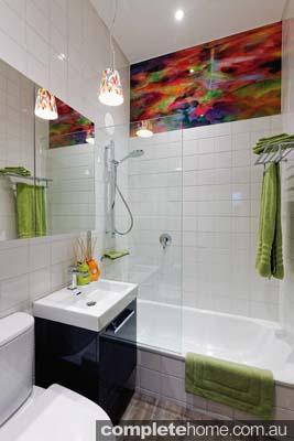 Franchi Powell guest bathroom art glass