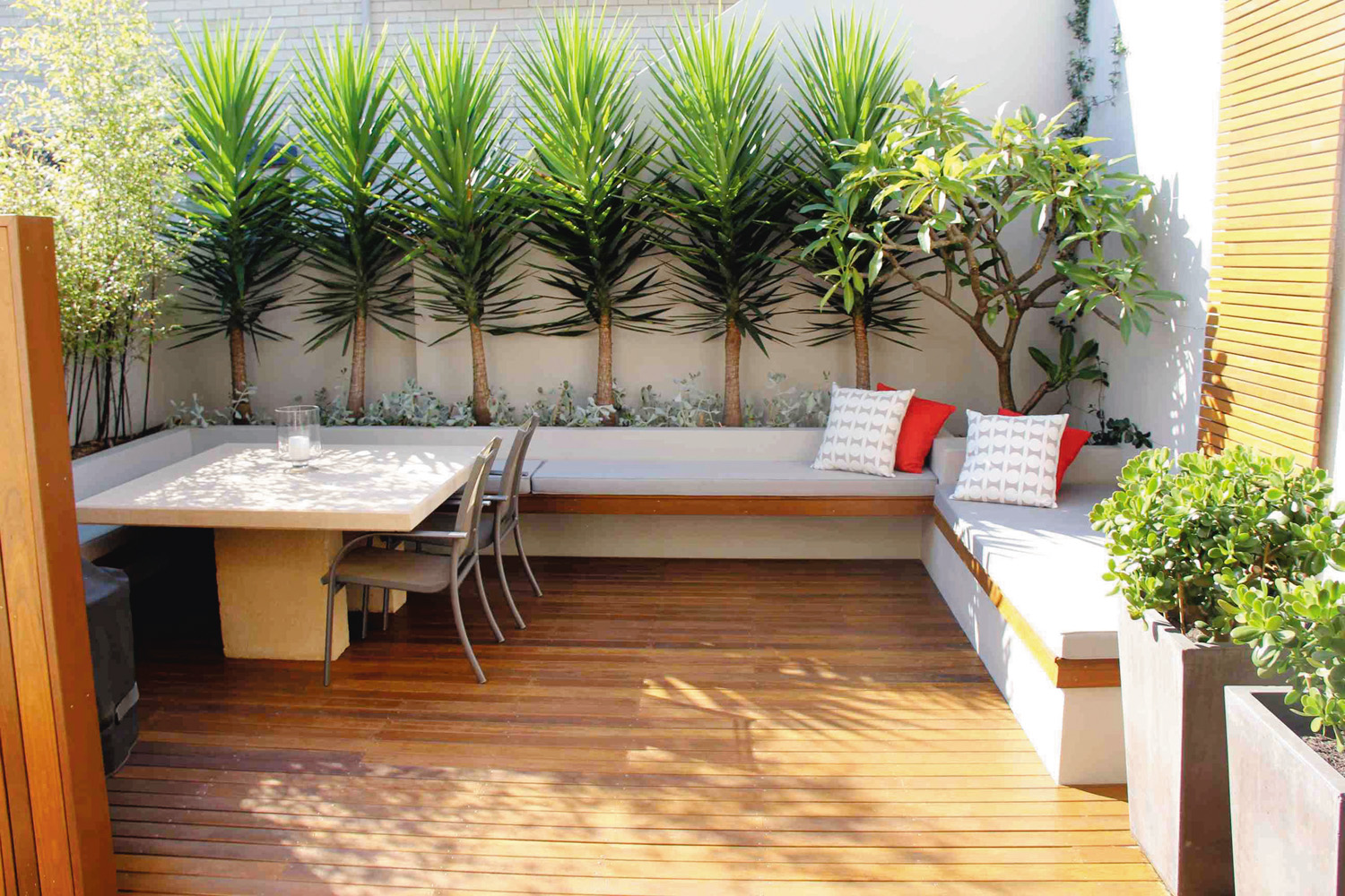 Creating an outdoor room with Site Design +Studios
