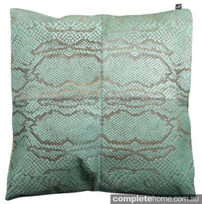 Serpiente Cushion