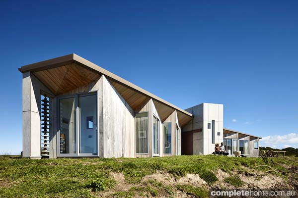 Grand designs australia king island whale tail completehome for Home designs tasmania