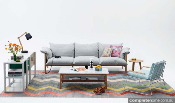 Sofa with loose upholstered cushions