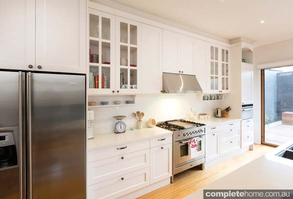 hampton kitchen cabinets hamptons dreaming completehome 16151