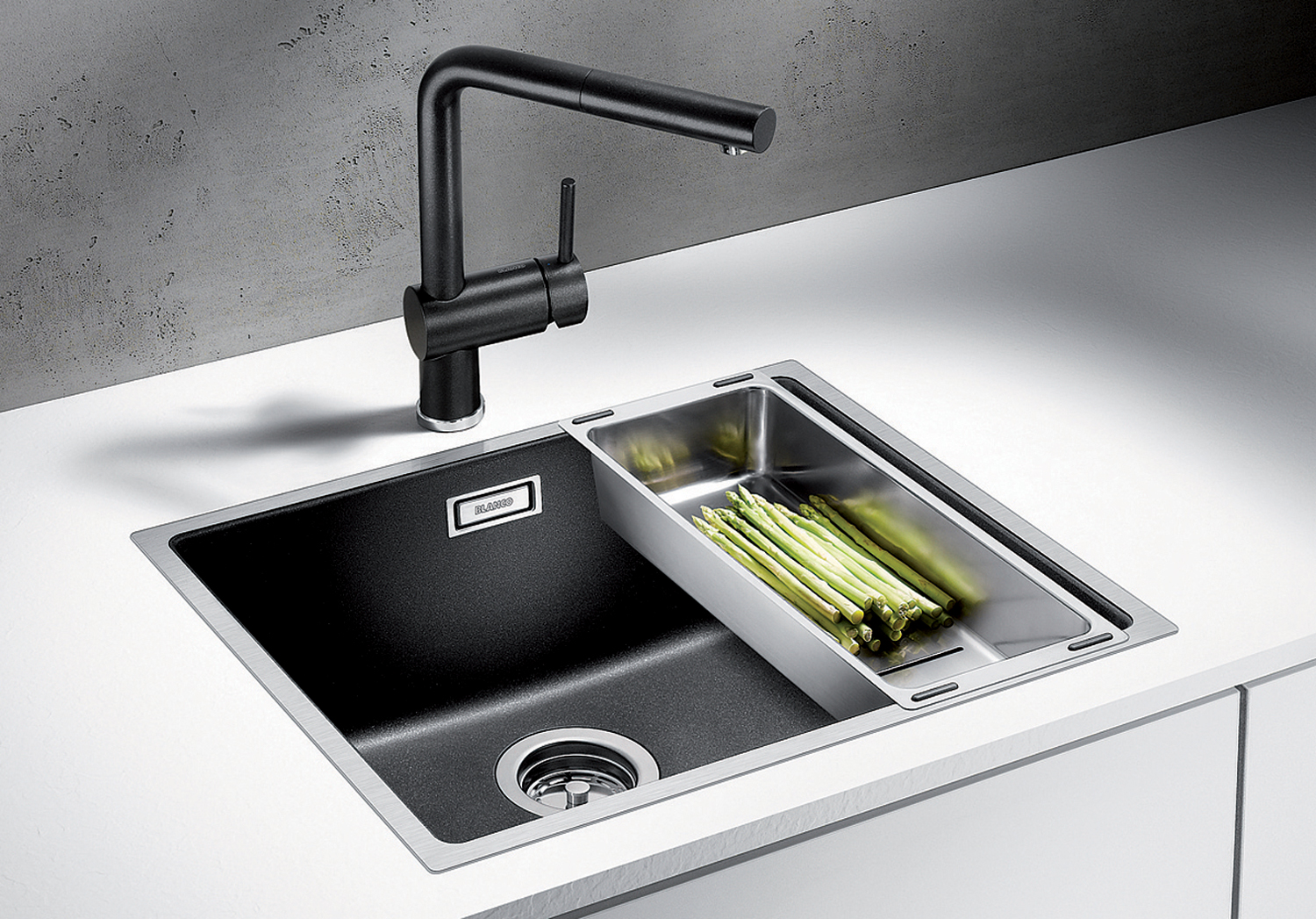 The BLANCO SUBLINE500IF SteelFrame sink