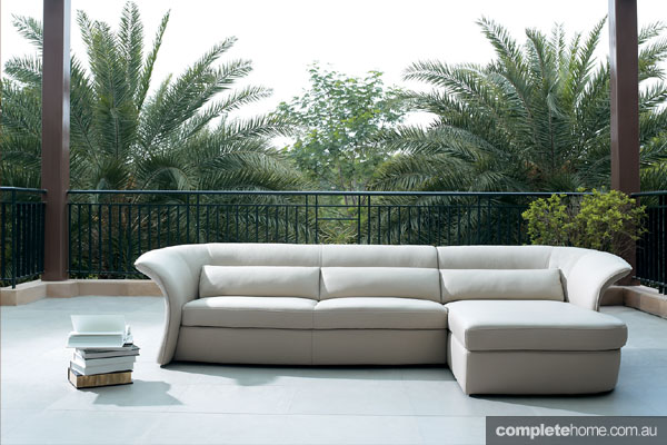 Beyond-pattinatore-sofa1