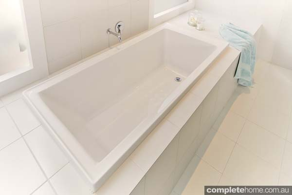 Cute Tub Refinishers Thick Bathtub Painters Round Paint The Bathtub Bathroom Tile Reglazing Youthful Tile Reglazing Cost OrangeSpray Painting Bathtub How To Paint A Bathtub Bunnings   Best Bathtub 2017