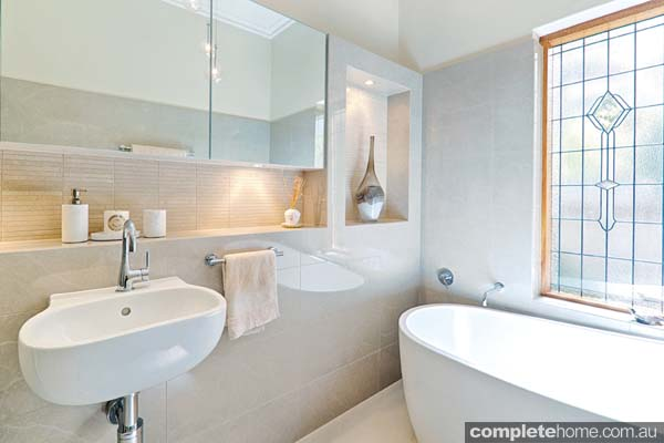Modern bathroom with yesteryear features completehome for 1920 bathroom designs