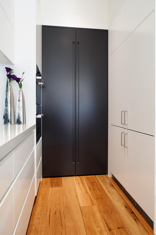 Black and white contemporary kitchen