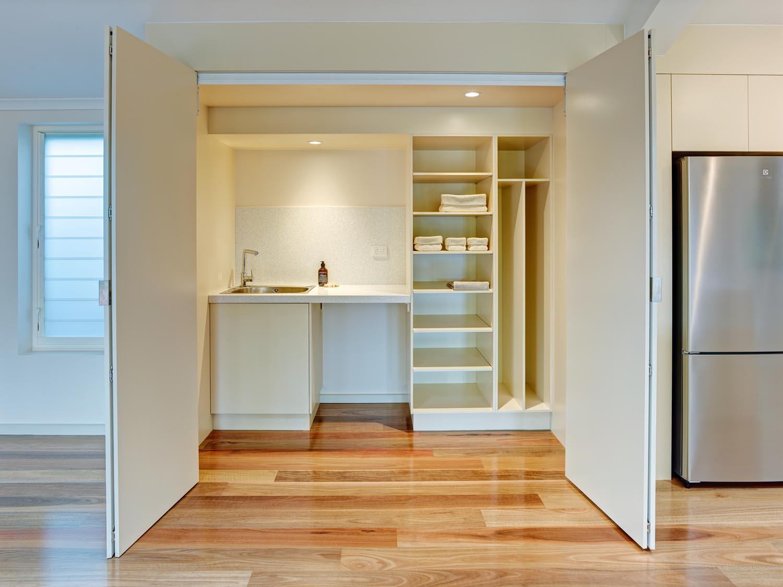 Vibrant, dramatic kitchen design