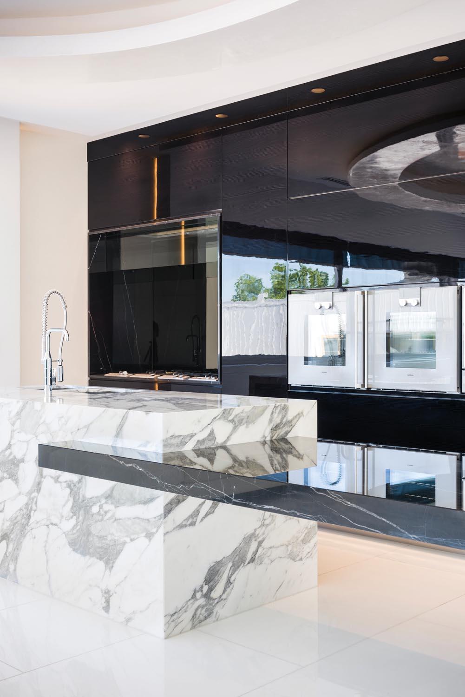 Glossy modern kitchen