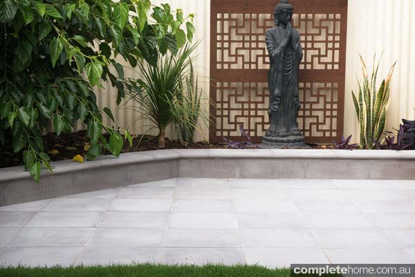 Quality concrete paving, coping and walling for classic and contemporary gardens