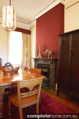 victorian_style_dining_room