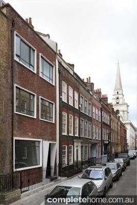 AJ_241_022 Spitalfields exterior