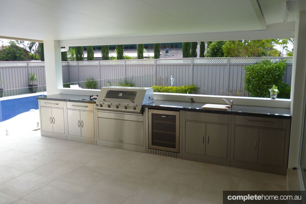 Three top barbeques outdoor kitchens for this summer for Best kitchen designs australia