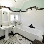 Real bathroom: Geometric class