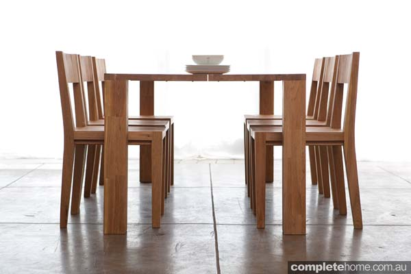 LAXseries_Dining_Table_Center_Opening_2