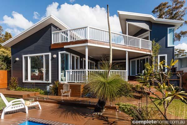 beachside_luxury_decking