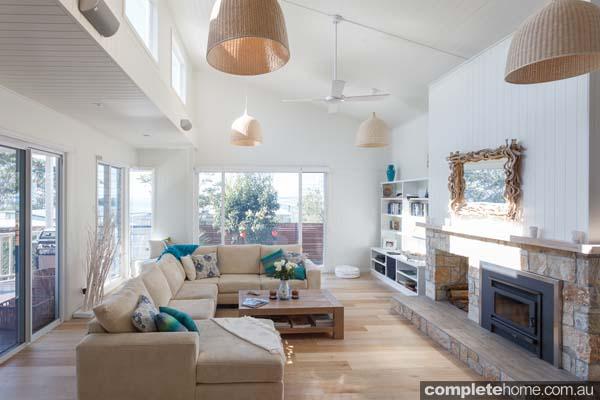 contemporary_beach_style_lounge