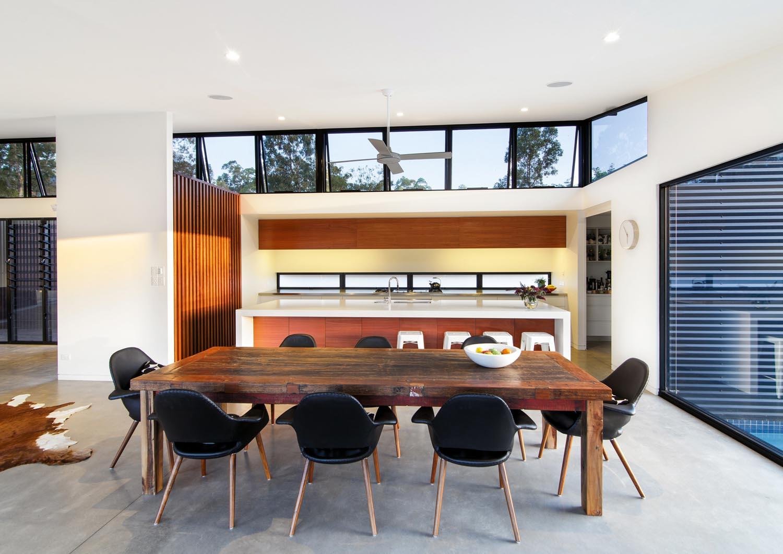 Grand Designs Australia: Linear & lovely tropical home
