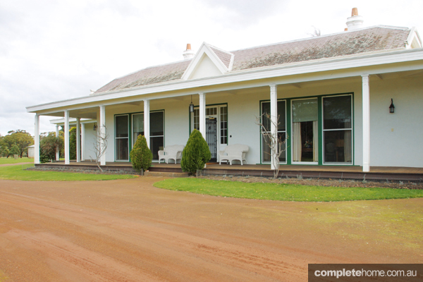 An Australian grazier and his Hollywood starlet wife transformed a staid 19th century homestead into a 1930s-Moderne home and entertainment venue for everyone they knew, from the cream of Victorian high society to the local community
