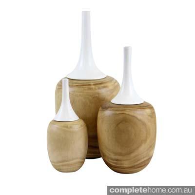 Satar_White Lidded Vases