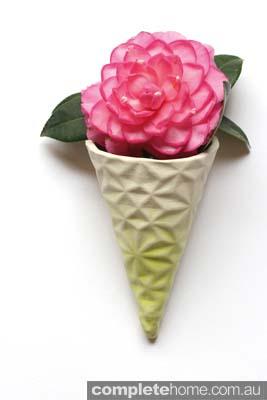 Takeawei_Icecream_Wall Vase