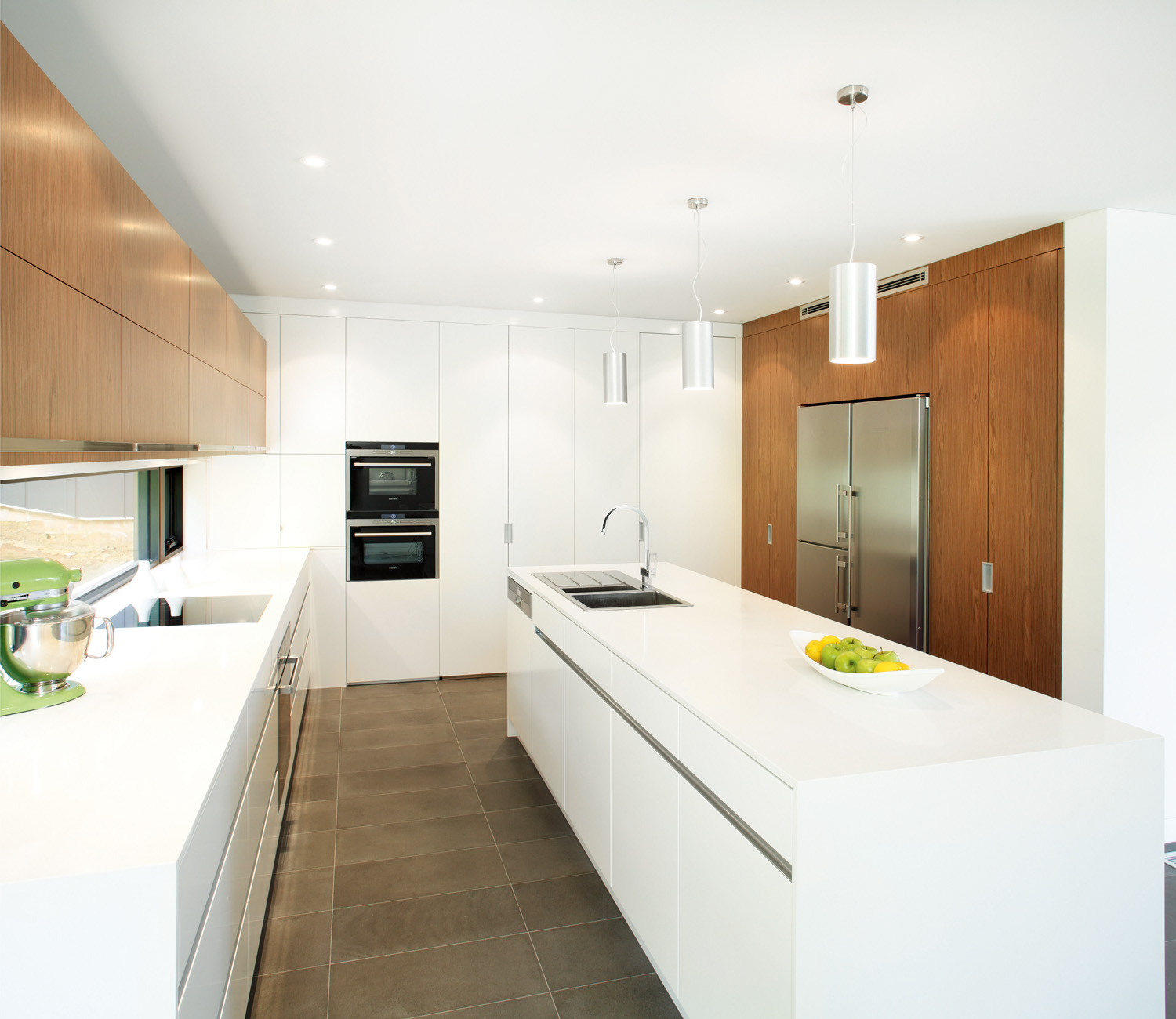 Unique Kitchen Designs: Natural Contrast: Unique Kitchen Design