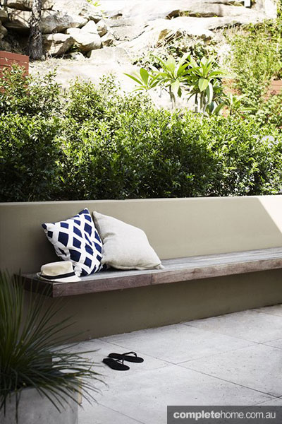 outdoor throw cushions
